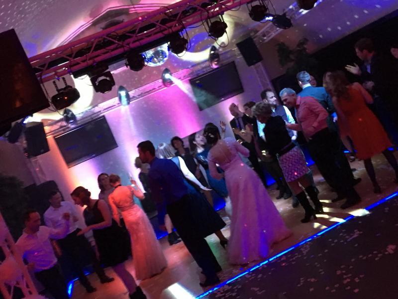 Clublounge-Kloster-Nimbschen-Hochzeits-DJ-WAM